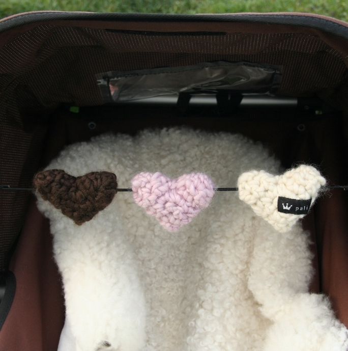 Barnvagnsmobil hjärtan trippel